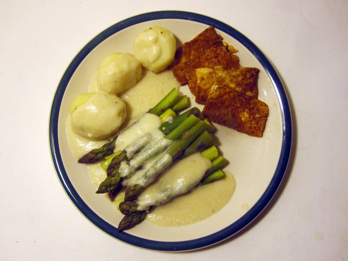 asparagus with potatoes and fried tofu