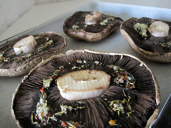 Grilled Portobello Mushrooms with vegan and glutenfree cream
