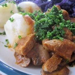 Mushroom Soy Goulash (Vegan)