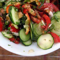 Gurken Tomaten Salat (Vegan)