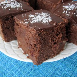 Chocolate Mud Cake (Vegan, Gluten-free)