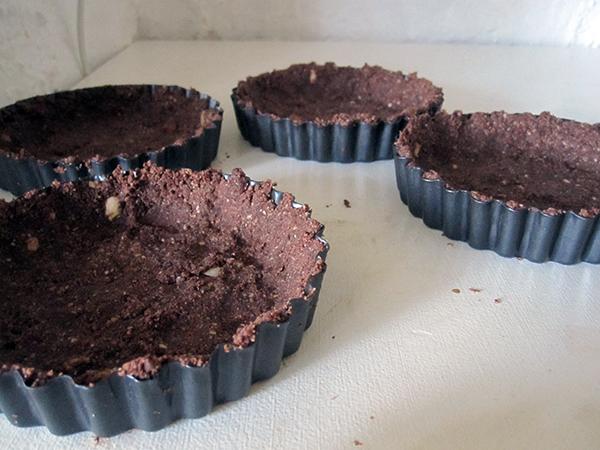 Gluten-free Vegan No Bake Chocolate Vanilla Cake