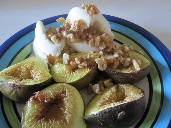 Roasted Figs with Vanilla Ice-Cream (Vegan, Gluten-free)