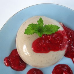 Vanilla Pudding with Raspberry Sauce (Vegan, Gluten-free)