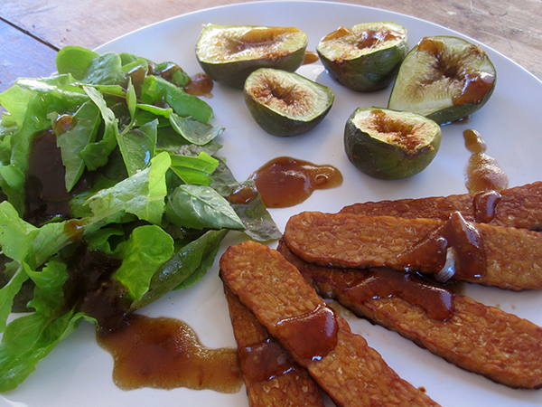 Roasted Figs with Smokey Tempeh and Salad
