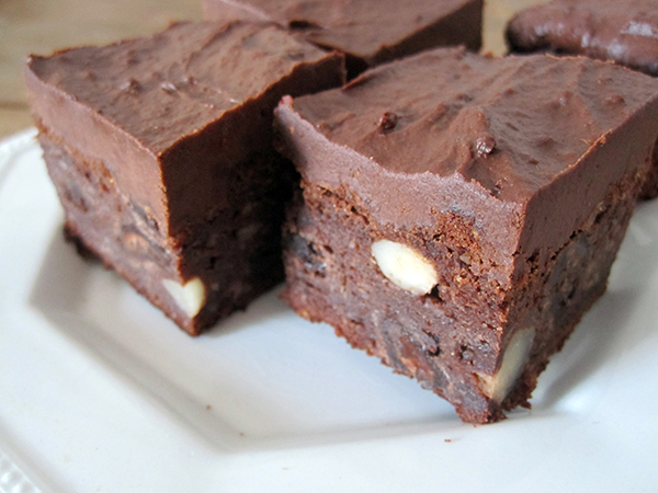 Brownies with Brazil Nuts (Vegan, Gluten-free)