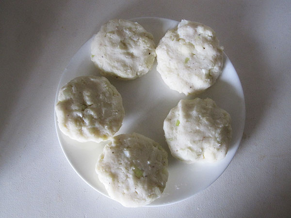 Vegan Gluten-free Cauli Potato Cakes with Mushrooms