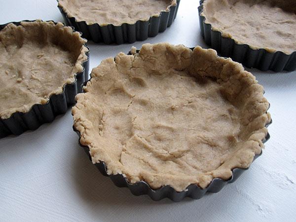vegan gluten-free mini cinnamon apple tarts