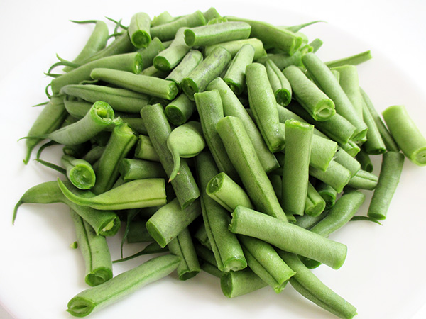 Vegan Gluten-free Green Bean Soup with Sour Cashew Cream