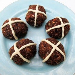 Raw Mini Hot-Cross Buns (Vegan)