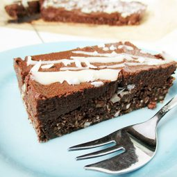 No-Bake Chocolate Brownie Slice (Vegan, Gluten-free, Nut-free)