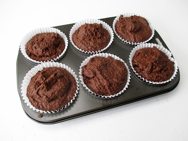 Vegan Gluten-free Refined Sugar Free Oil-Free Soy-free Egg-free Dairy-free Nut-Milk Pulp Chocolate Muffins With Vanilla Frosting Receipe