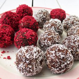 Super Easy Bliss Balls  (Vegan, Gluten-free, Refined Sugar Free)