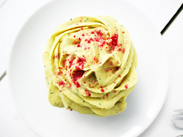 No-Bake Vegan Gluten-free Dairy-free Lemon Poppy-Seed Tartlets Recipe Zitronen Toertchen Rezept