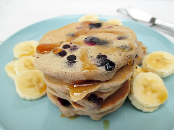 vegan gluten-free egg-free dairy-free sugar-free blueberry banana pancakes recipe rezept