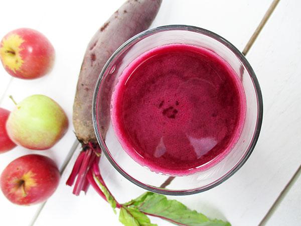 The Vegan Monster Optimum 700 Langsamentsafter Rezension Rote Beete Saft Rezept