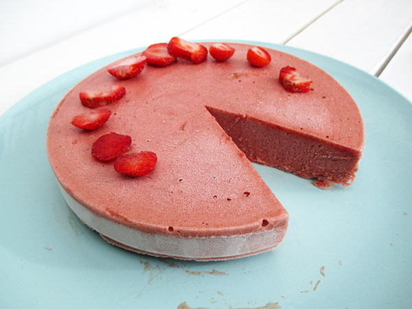 Vegan Gluten-free Low-Fat Oil-free Nut-free Strawberry Ice-Cream Cake Recipe - Glutenfreie Erdbeer Eis-Torte Rezept