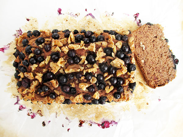 Vegan Gluten-free Banana Walnut Blueberry Loaf Without Refined Sugar Recipe - Glutenfreies Bananen Walnuss Blaubeer Brot Rezept